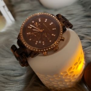 💜  Beautiful Michael Kors tortoise watch 💜